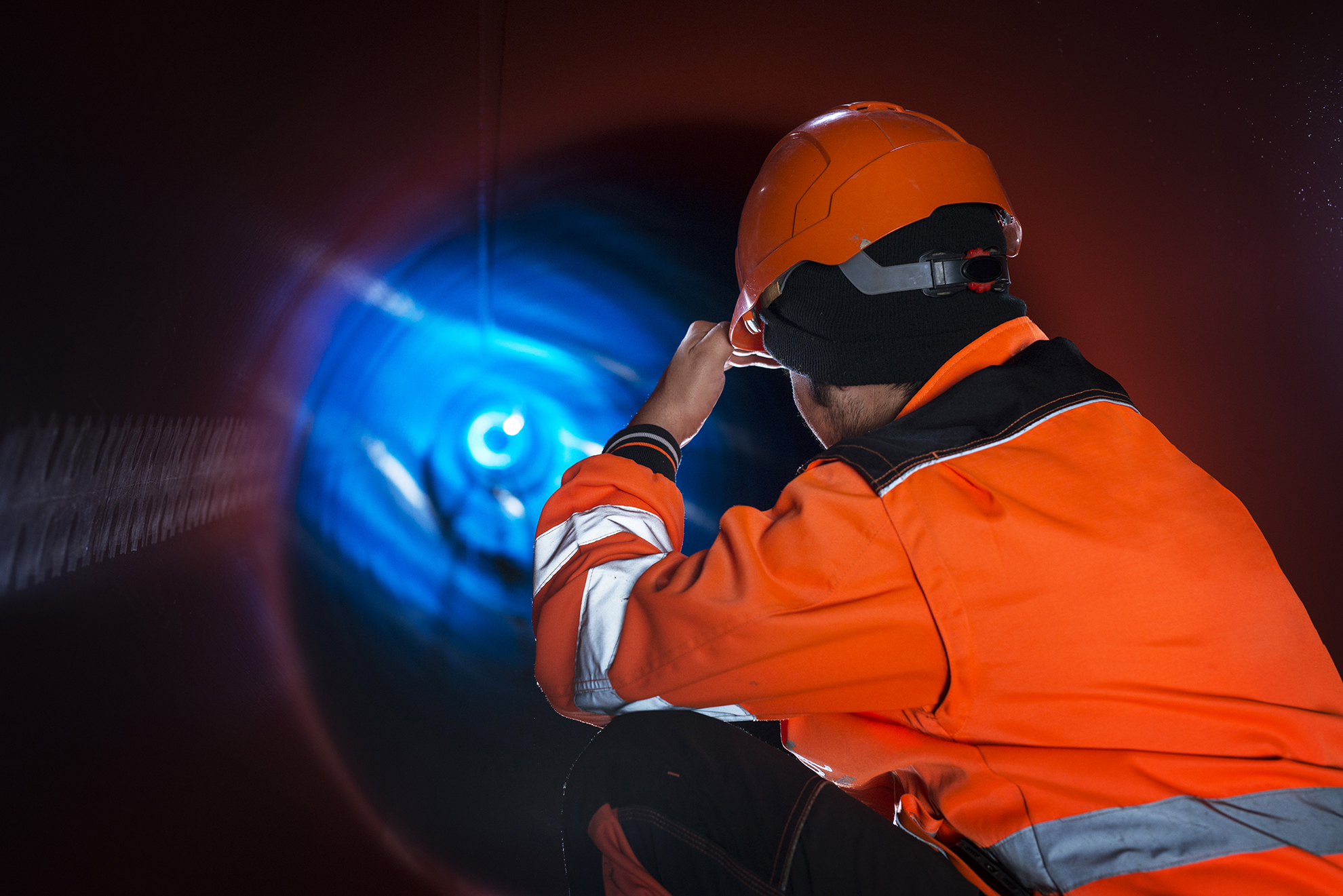 pipeline-construction-worker-reflective-protective-uniform-inspecting-pipe-tube-natural-gas-distribution